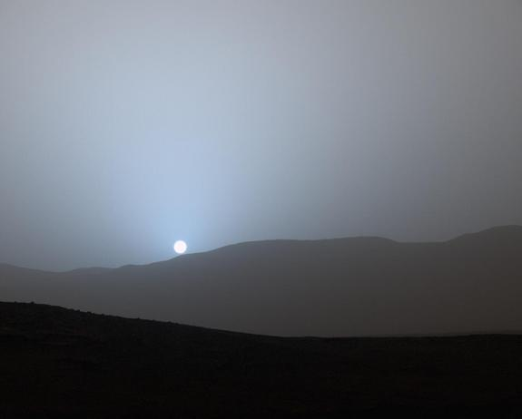 Blue sunset on Mars. Photo from NASA's Curiosity Rover.